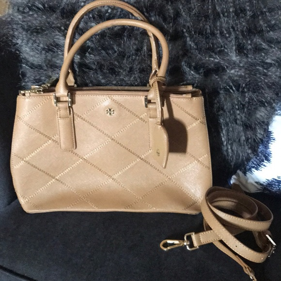 4ca21b2f7e 🎉SALE🎉Tory Burch Robinson double zip satchel. M_5b914c8610fc546577399ede